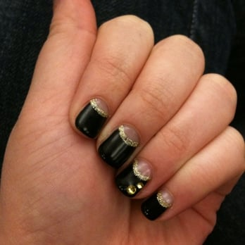 Calgel reverse french black calgel on top with gold line for 24 hour nail salon new york