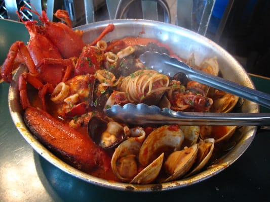 Displaying (18) Gallery Images For Lobster Dish...