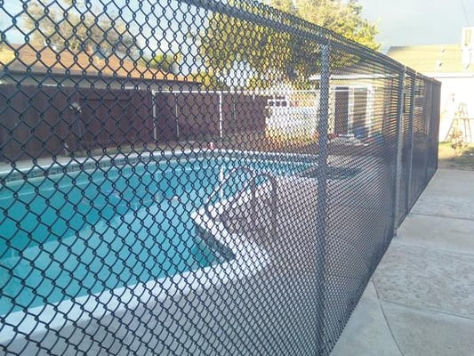 1 1 4 Quot Mesh Black Vinyl Coated Chain Link Pool Fence Yelp