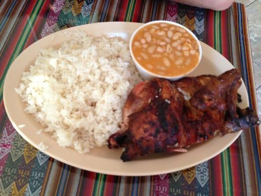 Pollo Con Arroz Y Frijoles