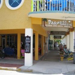 Paradise Sweets logo