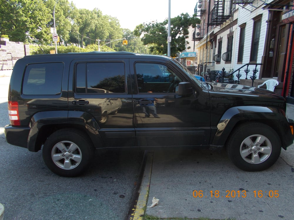 2013 Jeep Liberty 50 Llumar Tint Front Window S 15